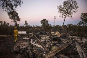Ένας νεκρός στη φωτιά στην Καλιφόρνια