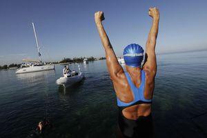Πώς η Diana Nyad κατάφερε να κολυμπήσει 170 χιλιόμετρα;