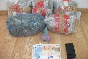 Για διακίνηση ηρωίνης και κάνναβης συνελήφθησαν δύο αλλοδαποί