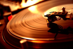Γιατί μας αρέσει η μουσική που άκουγαν οι γονείς μας