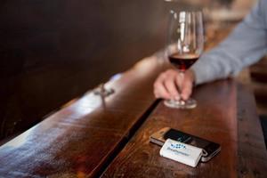 Μια συσκευή αλκοτέστ στην τσέπη μας
