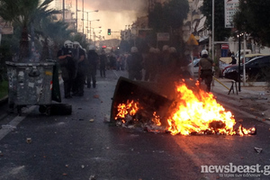 Ελεύθεροι 25 συλληφθέντες στα επεισόδια στο Κερατσίνι και τη Νίκαια