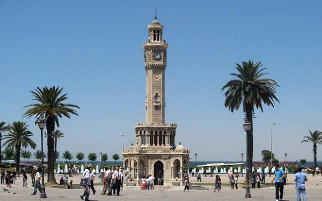 Οι πιο εντυπωσιακοί πύργοι με ρολόι στον κόσμο!!!Χτίστηκαν σε σημεία σημαντικών ιστορικών γεγονότων!