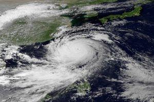 Στο έλεος του τυφώνα Φιλιππίνες-Ταϊβάν