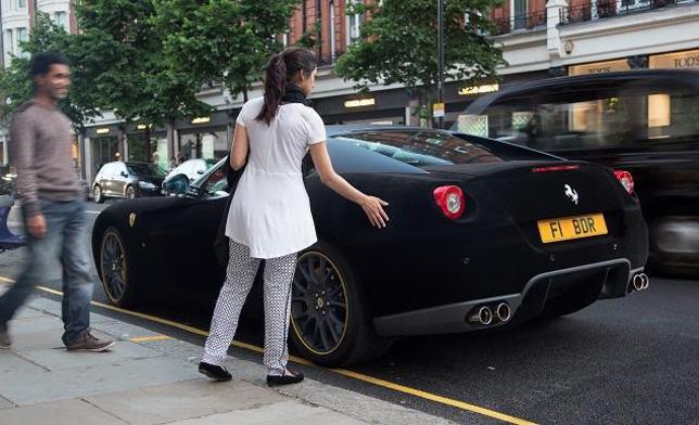Πάρε αυτή τη Ferrari και όταν πιάσει βροχή θα κλαις με μαύρο...Βελούδο! [photos]