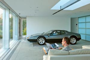 Σπίτι χτίζεται γύρω από Ferrari