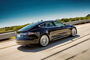 Αυτοκινούμενο όχημα από την Tesla το 2016
