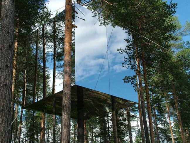 Treehotel: Το… αόρατο ξενοδοχείο στη Σουηδία!