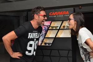 Full moon γιορτή για το τέλος του καλοκαιριού με γυαλιά Carrera