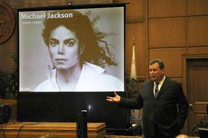Αθωωτική η απόφαση στη δίκη για το θάνατο του Michael Jackson
