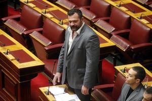 Κόντρα στη Βουλή για τις επιθέσεις κατά της Χρυσής Αυγής