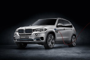 Στην παραγωγή η υβριδική BMW X5