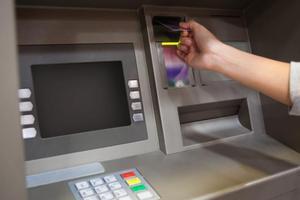 Αλληλέγγυοι στον Ρωμανό μπλόκαραν ATM στα Χανιά