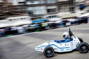 Σπουδαστές σπάνε το ρεκόρ επιτάχυνσης σε ηλεκτρικό όχημα