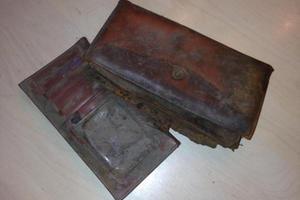 Βρήκαν πορτοφόλι που είχε χαθεί πριν από 30 χρόνια