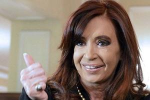 Νονά σε παιδί ομοφυλόφυλων έγινε η πρόεδρος της Αργεντινής