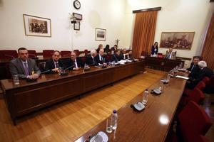 Συνεδριάζει η Επιτροπή Θεσμών και Διαφάνειας στη Βουλή