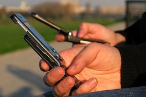 Όταν το κινητό παίρνει τα ηνία της ζωής σας