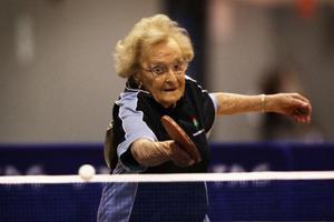 Η γηραιότερη παίκτρια πινγκ πονγκ