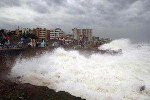 Δεκαεφτά νεκροί από τον κυκλώνα που σάρωσε την Ινδία