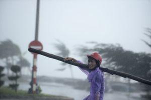 Φονικό το πέρασμα του τυφώνα Ντάμρεϊ από το Βιετνάμ
