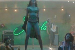 Το pole dancing της Freida Pinto