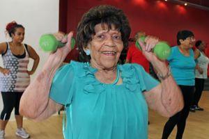 Γιαγιά 100 ετών πηγαίνει τρεις φορές την εβδομάδα γυμναστήριο