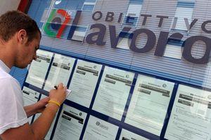 Νέο αρνητικό ρεκόρ για την ανεργία των νέων στην Ιταλία