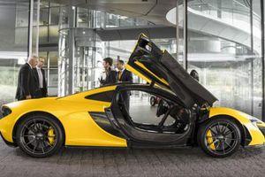 H πρώτη McLaren P1 συνάντησε τον ιδιοκτήτη της