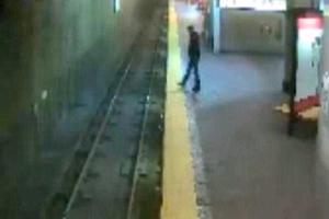 Η υπνοβάτης που έπεσε στις γραμμές του μετρό!