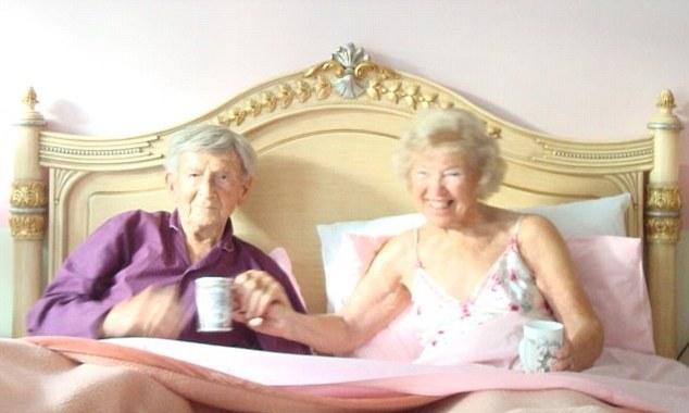 Που χρονολογείται ηλικιωμένων γυναικών οφέλη
