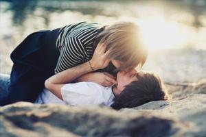 «Μέθυσέ» τον με ένα σου φιλί