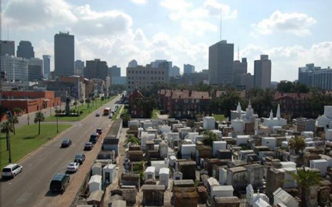 10 νεκροταφεία που αξίζει να επισκεφθείτε!Σημεία που φανερώνουν την κουλτούρα,τα ήθη και τα έθιμα!