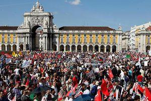 Διαδηλωτές κατέλαβαν 4 υπουργεία στη Λισαβόνα