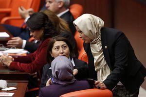 Κατατέθηκε νομοσχέδιο για την κατάργηση των θρησκευτικών συμβόλων