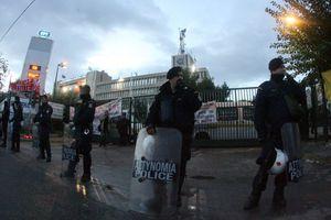 Συλλαλητήριο στην ΕΡΤ ένα χρόνο μετά την εισβολή των ΜΑΤ