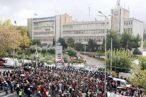 Συλλαλητήριο στο Ραδιομέγαρο ένα χρόνο μετά την εισβολή των ΜΑΤ