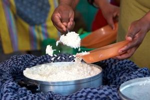 «Θαυματουργή» τσάντα μαγειρεύει χωρίς ρεύμα
