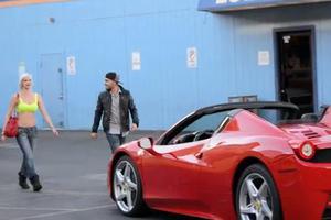 Τι σου κάνει μια Ferrari