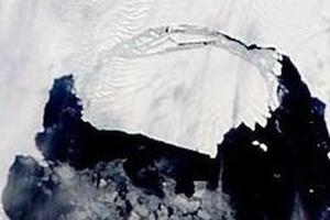 Συναγερμός για «περιπλανώμενο» παγόβουνο
