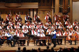 «Εκατό τσιγγάνικα βιολιά» στο Θέατρο Μπάντμιντον