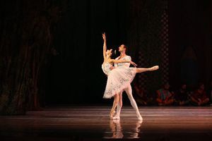 Χορεύοντας με τη «Χιονάτη» στο Παλλάς
