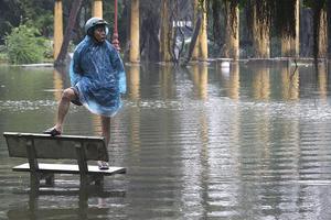 Τριάντα τέσσερις νεκροί από τις πλημμύρες στο Βιετνάμ
