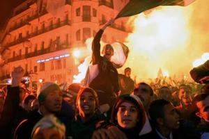 «Αιματοβαμμένη» πρόκριση στην Αλγερία