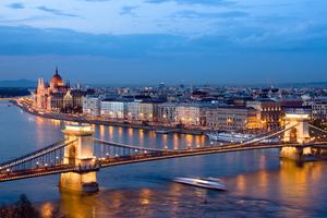 Μαγικά Χριστούγεννα στη Βουδαπέστη με 395 ευρώ!