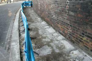 Έκλεψαν… πεζοδρόμιο σε πόλη της Αγγλίας