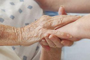 Εξαρθρώθηκε σπείρα που εξαπατούσε ηλικιωμένους