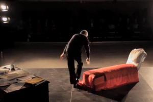 Στο Παρίσι για θεατρική παράσταση ο Πελεγρίνης