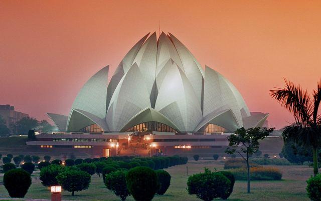 Lotus Temple: Ένας οίκος λατρείας της θρησκείας Μπαχάι στην Ινδία