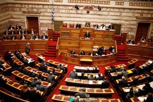 Με οριακή πλειοψηφία υπερψηφίστηκαν διατάξεις του πολυνομοσχεδίου